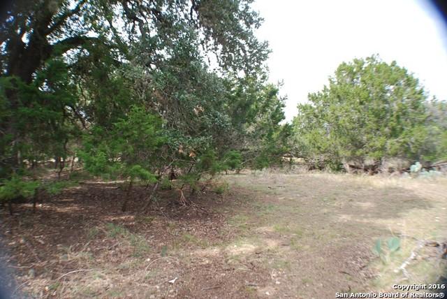 37 Deerwood Circle, Bandera, TX 78003