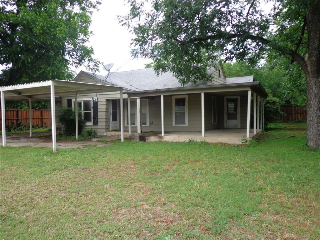 200 W Hall Street, Bangs, TX 76823