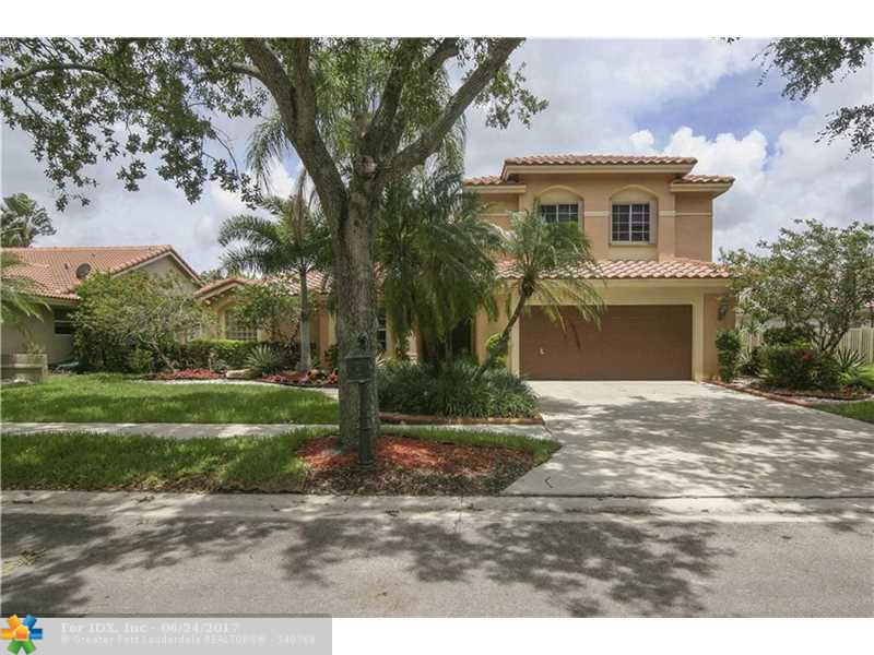 1085 Fairfax Ln, Weston, FL 33326