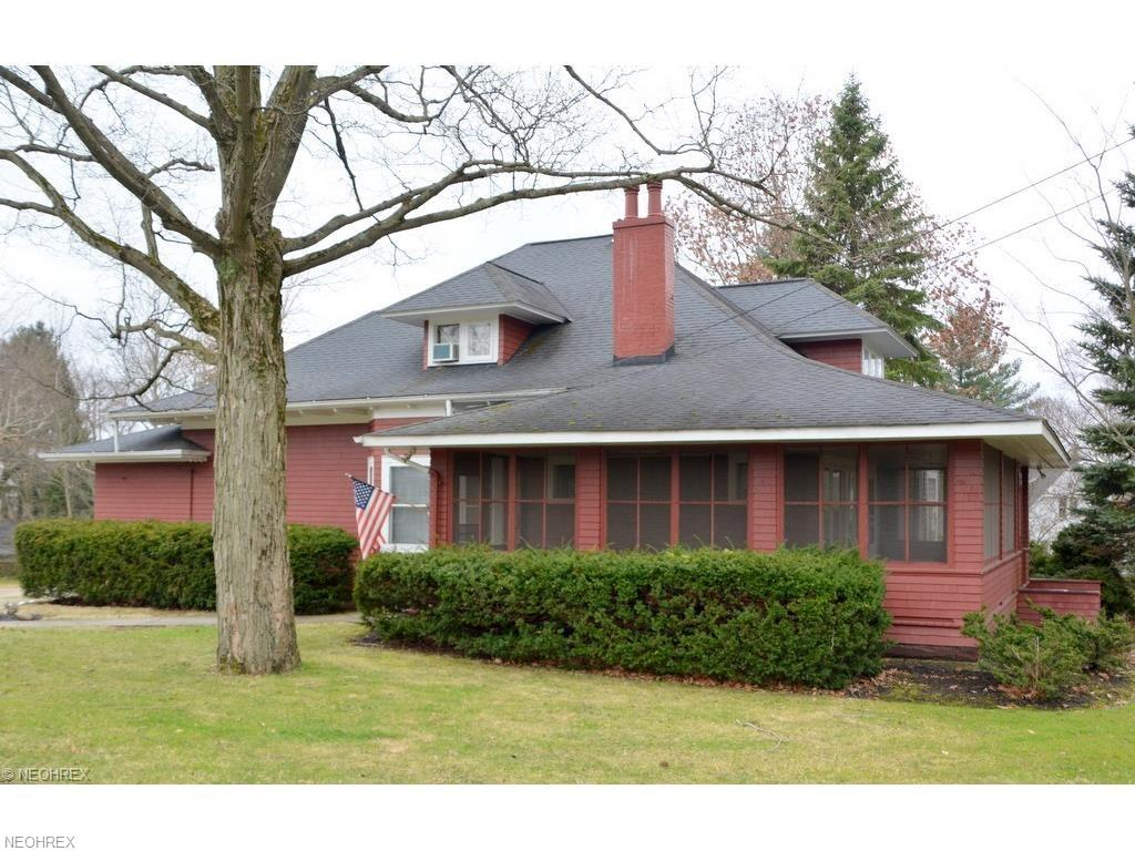 145 Cleveland St, Chagrin Falls, OH 44022