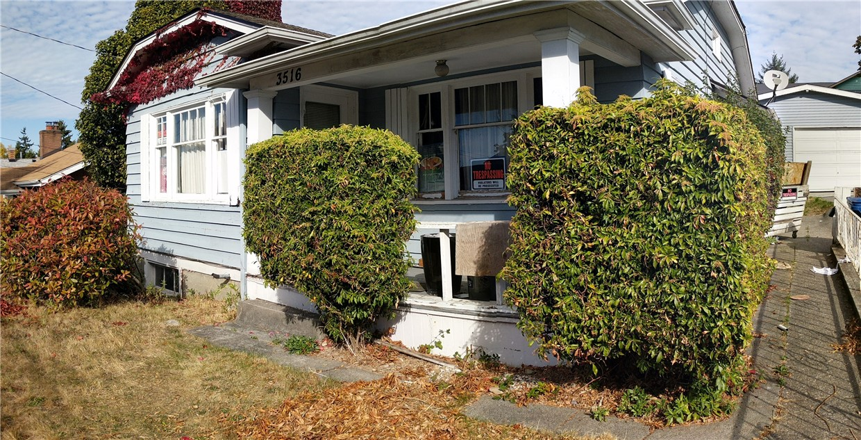 3516 SW Holden St, Seattle, WA 98126