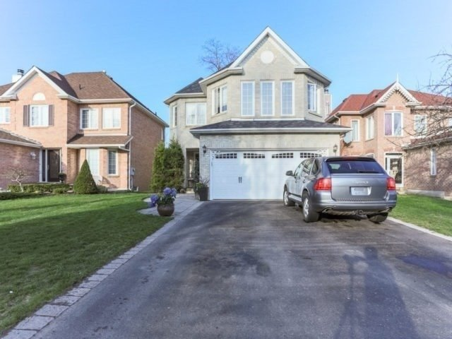 1060 Wildrose Cres, Pickering, ON L1X 2R3