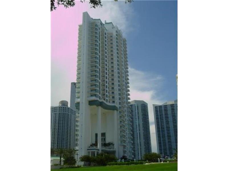 900 Brickell Key Blvd 2205, Miami, FL 33131