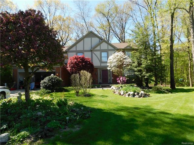 3404 PARK FOREST DR, West Bloomfield Twp, MI 48324