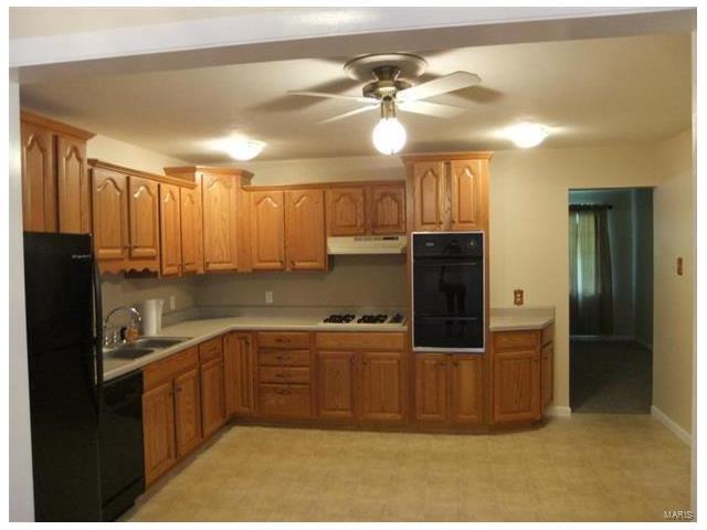 2270 Bennington, Maryland Heights, MO 63043
