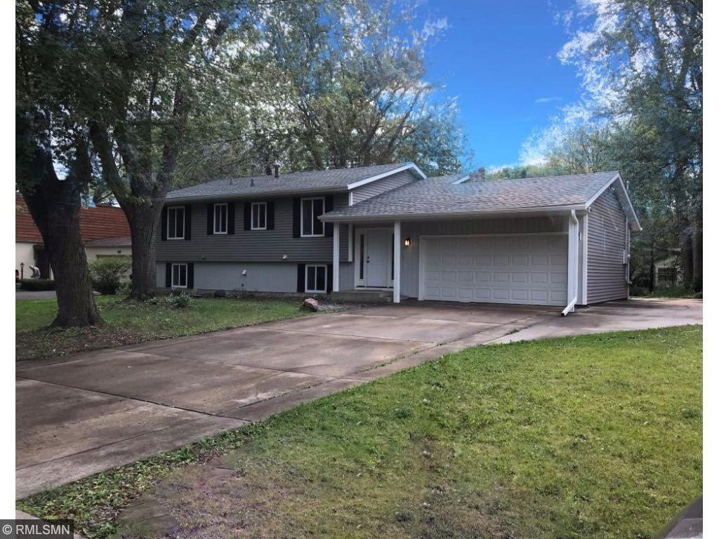 9716 Zilla Street NW, Coon Rapids, MN 55433
