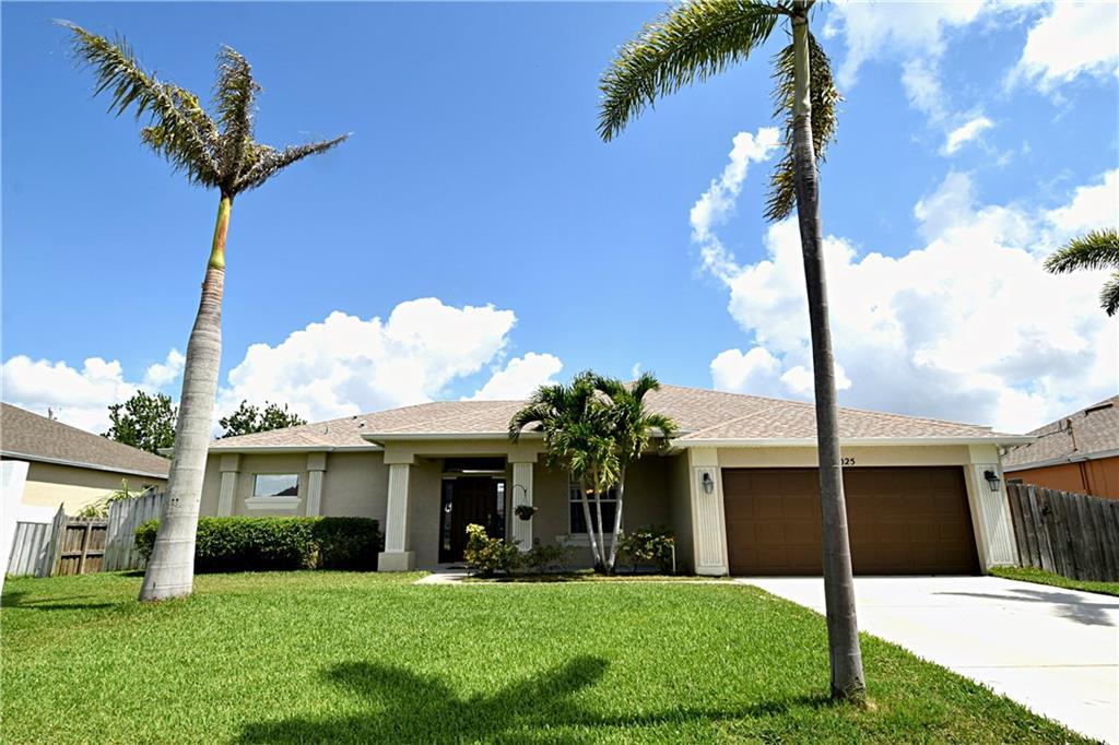 1025 SW FISHERMAN Avenue, Port Saint Lucie, FL 34953