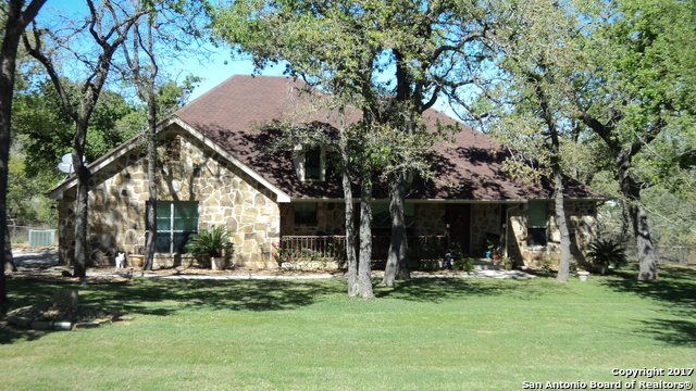 156 Legacy View, La Vernia, TX 78121