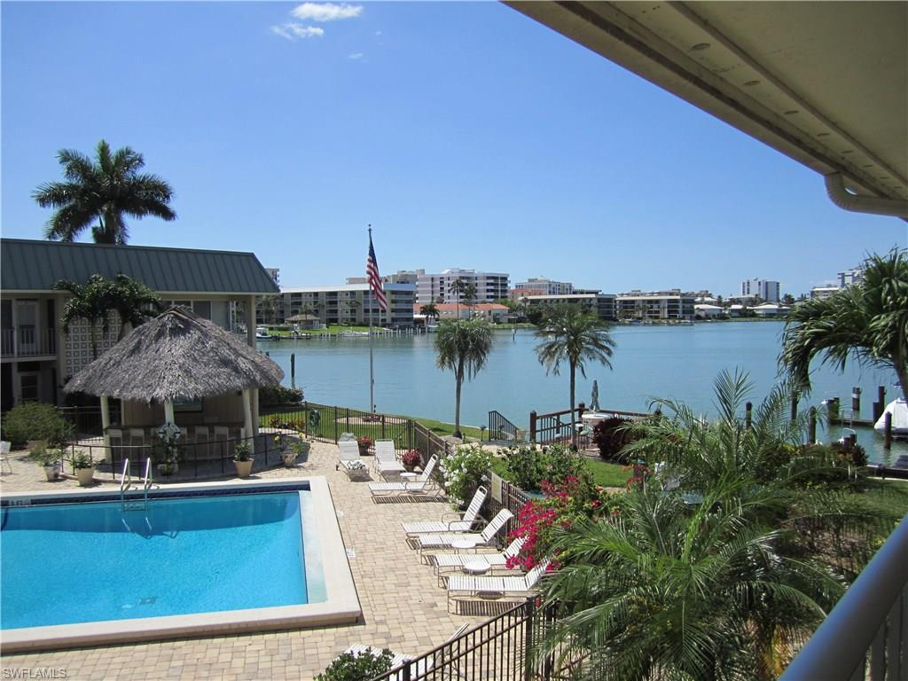 299 Harbour DR 202, NAPLES, FL 34103