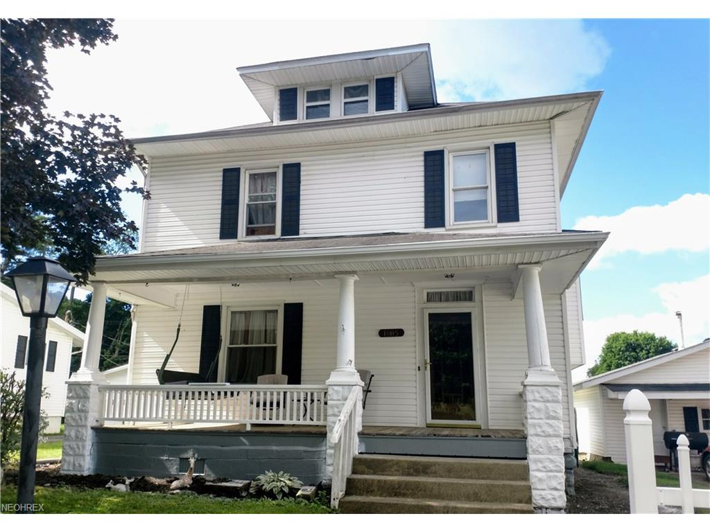 1805 Chestnut St, Coshocton, OH 43812