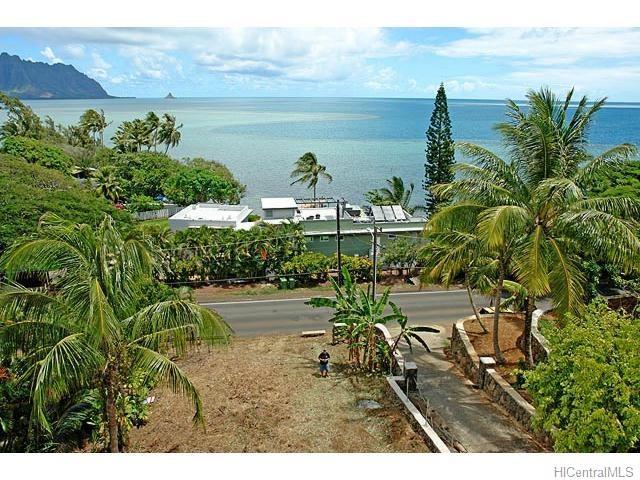 47-354 Kamehameha Highway, Kaneohe, HI 96744