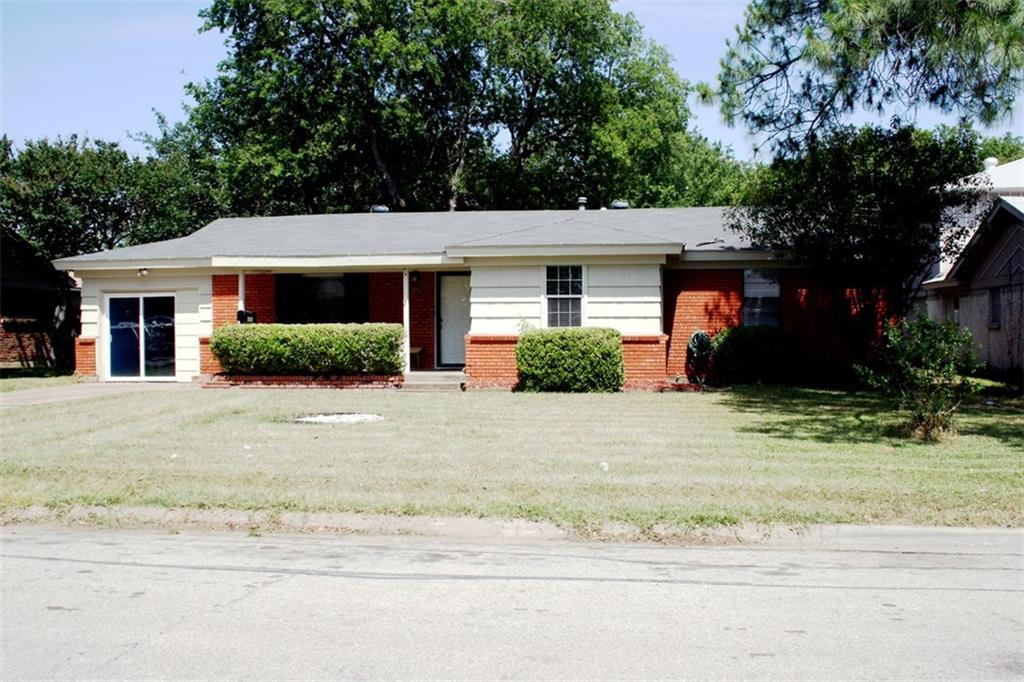 816 Glenda Drive, Bedford, TX 76022