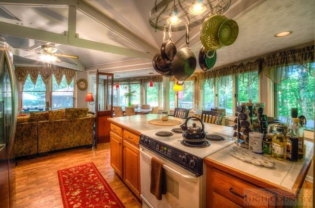 127 Linksider Lane, Sugar Mountain, NC 28604