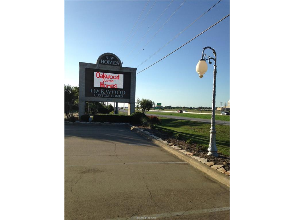 4058 S Hwy 6 South Highway 400,300, College Station, TX 77845