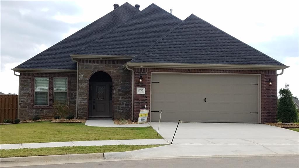 4908 Red Maple CT, Rogers, AR 72758