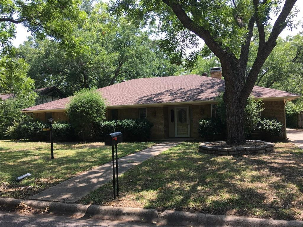 2909 Kircaldy Court, Arlington, TX 76015
