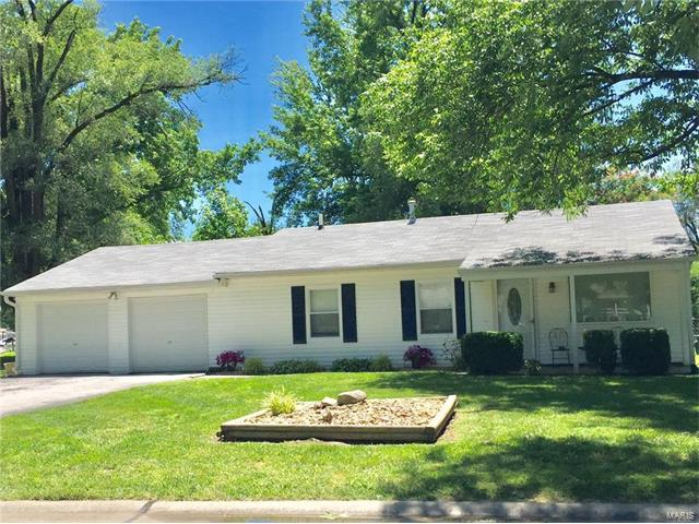 17 Jamaica Drive, St Peters, MO 63376