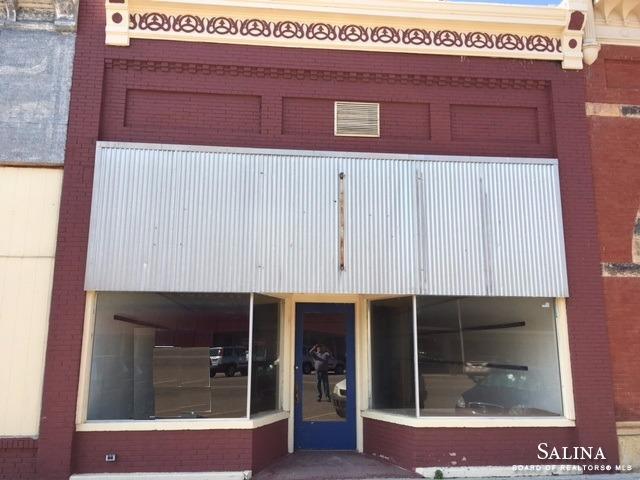 123 E Lincoln Avenue, Lincoln, KS 67455