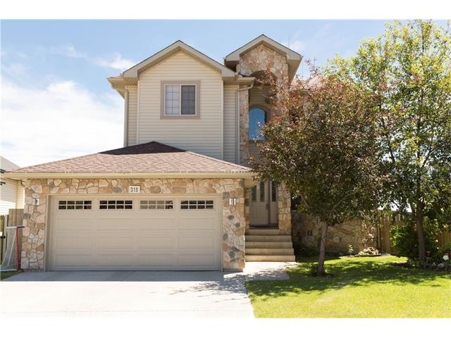 315 CRYSTAL SHORES View, Okotoks, AB T1S 2H9