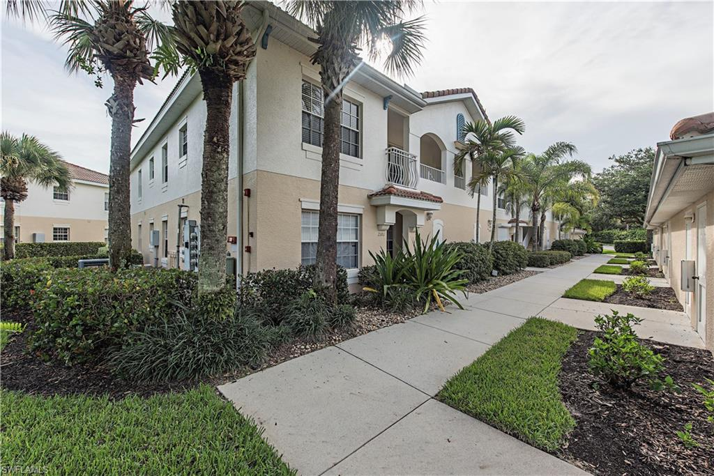 3039 Horizon LN 2101, NAPLES, FL 34109