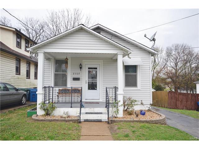 2527 Bredell Avenue, St Louis, MO 63143