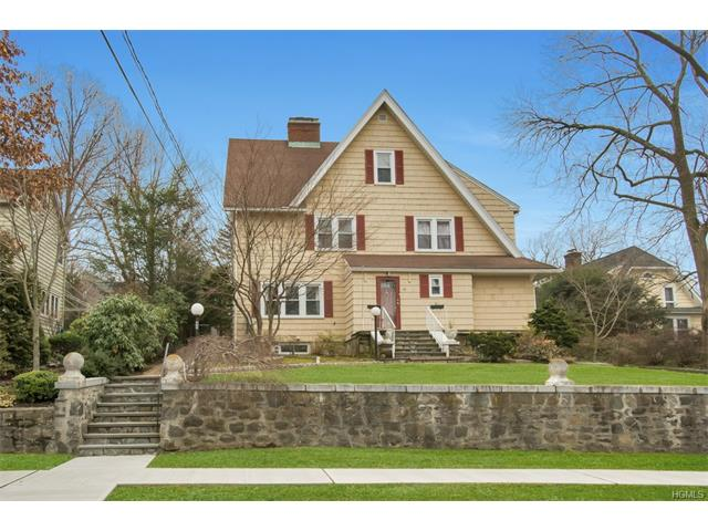45 Great Oak Lane, Pleasantville, NY 10570
