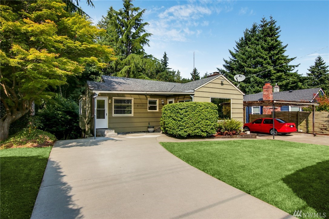 8731 Forest Hill Place NW, Seattle, WA 98117