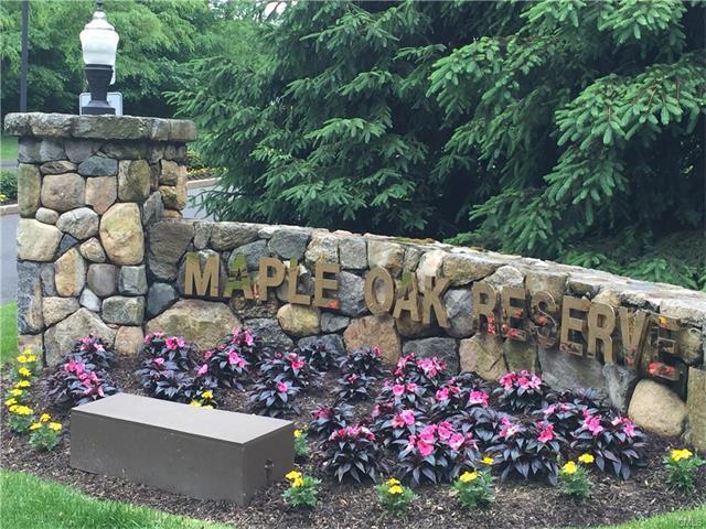 330 Maple Oak Drive 330, Stratford, CT 06614