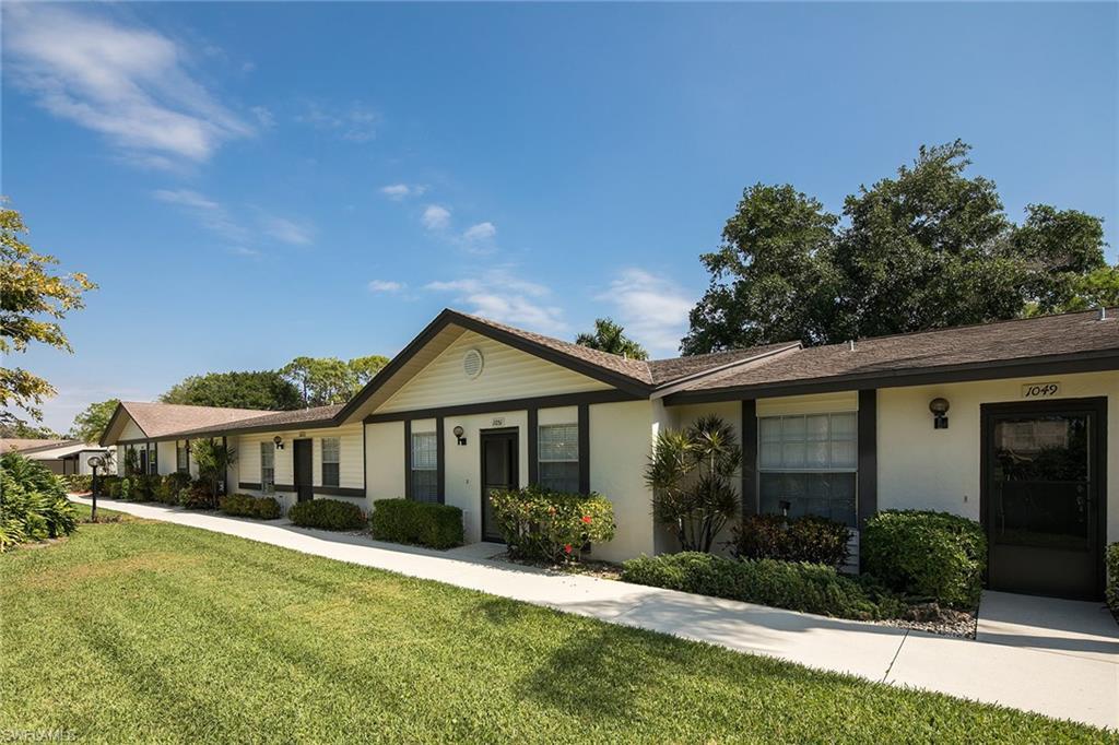 1051 Pine Isle LN 1051, NAPLES, FL 34112