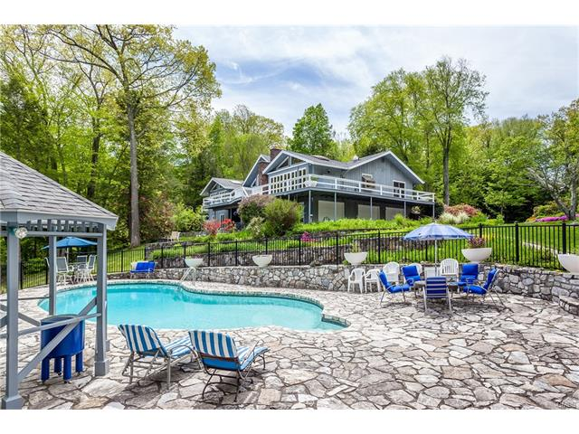 26 Hidden Brook Drive, Brookfield, CT 06804