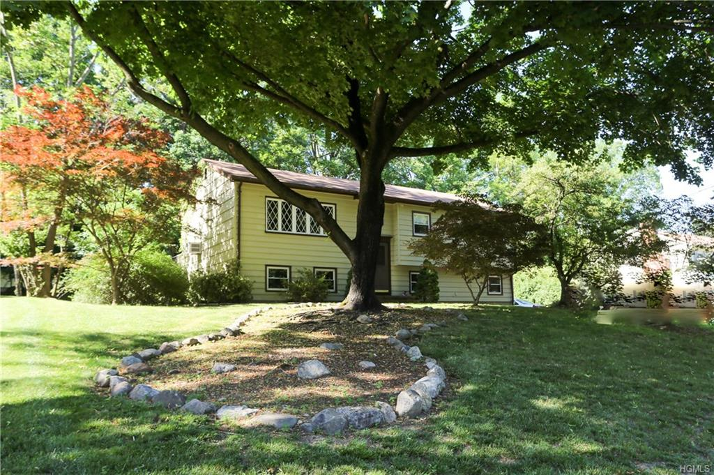 575 Babbling Brook Lane, Valley Cottage, NY 10989