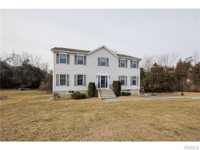 42 White Oak Circle, Wingdale, NY 12594