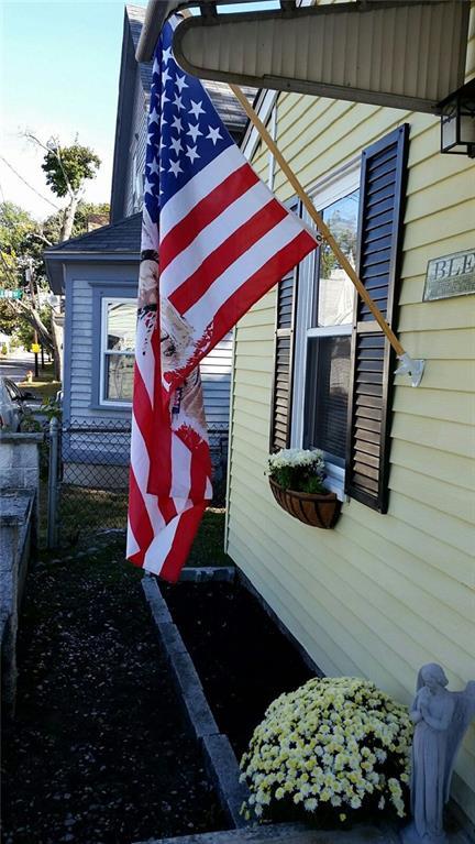 88 Cedar AV, East Providence, RI 02915