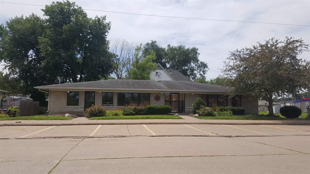 415 E GEORGE WASHINGTON, Davenport, IA 52804