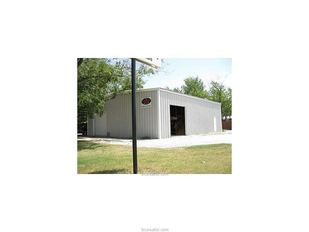 200 SOUTH GLASS, Franklin, TX 77856