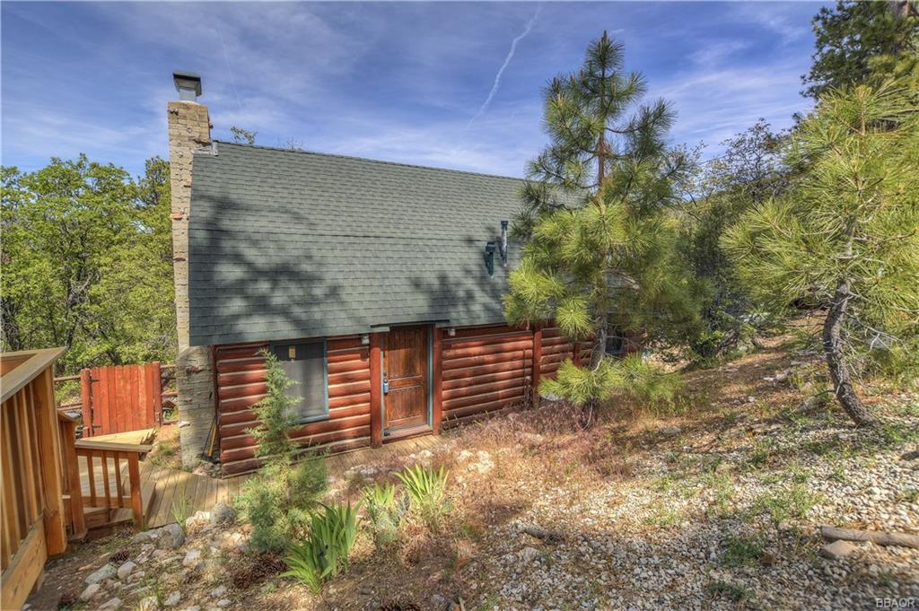 1220 Bruin Trail, Fawnskin, CA 92333