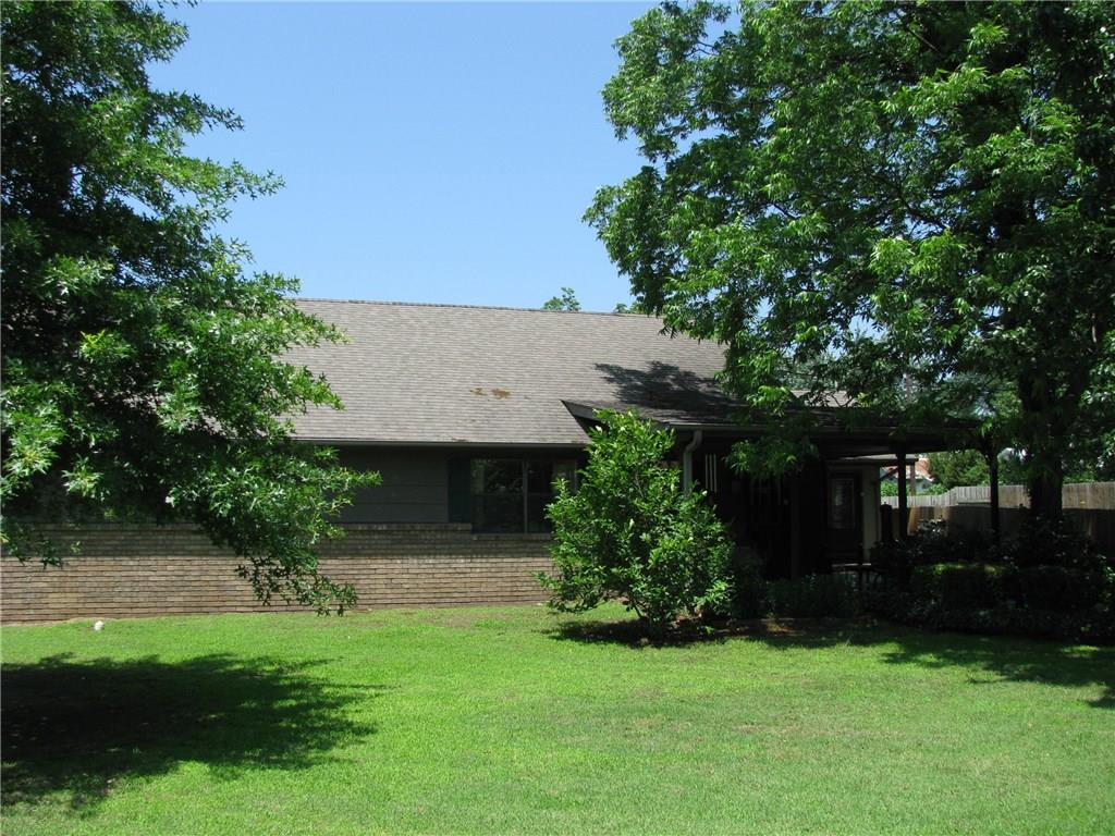312 S 10th Street, Okemah, OK 74859