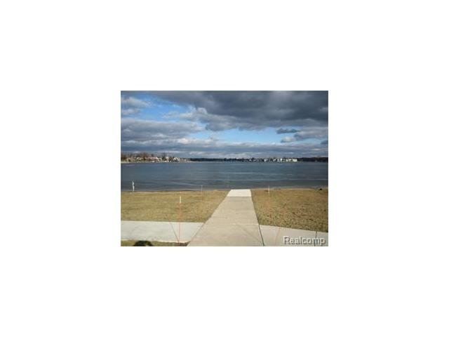 1643 CASS LAKE 29-A, Keego Harbor, MI 48320