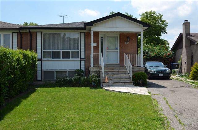 11 Litchfield Crt, Toronto, ON M9V 2A7