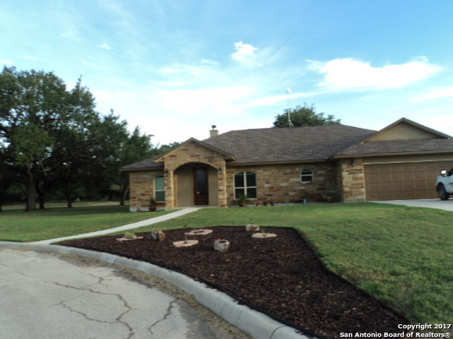 1610 Pecan Circle, Pleasanton, TX 78064
