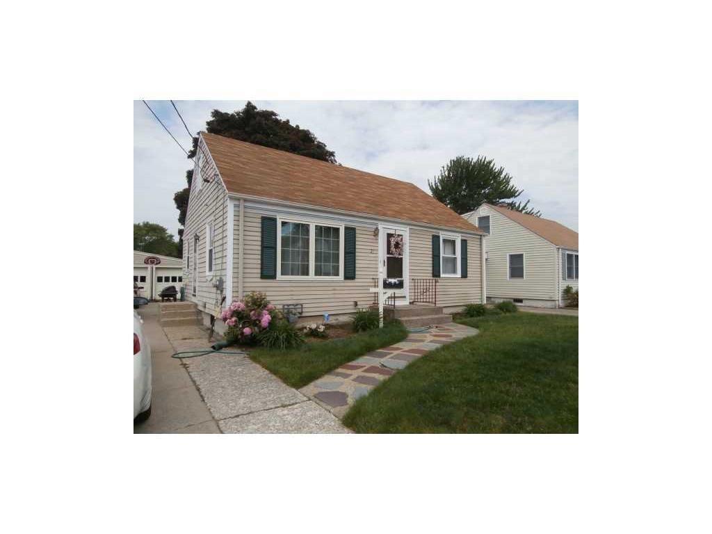 27 Corrente AV, Pawtucket, RI 02861