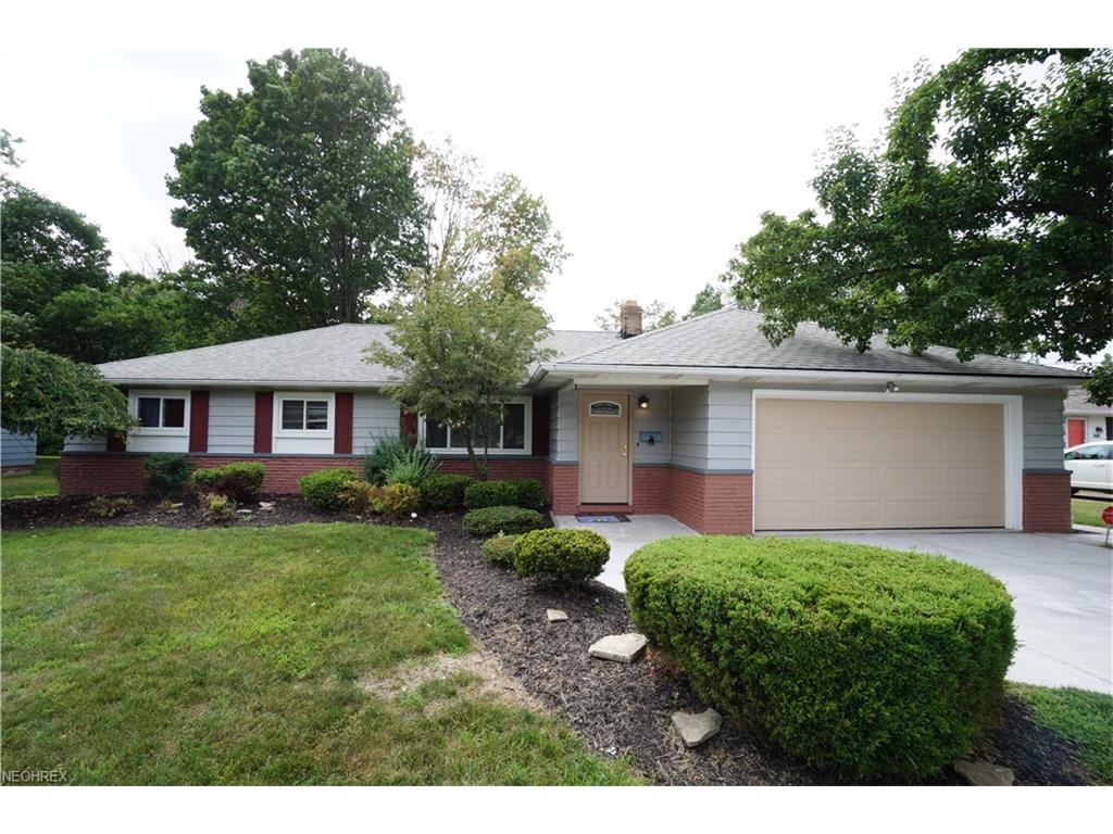 840 Belwood Dr, Highland Heights, OH 44143