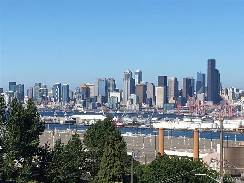 4039 32nd Ave SW, Seattle, WA 98126