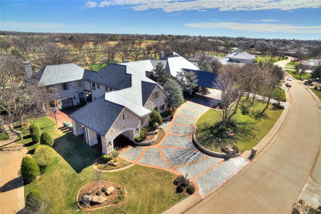 6400 Oak Tree Drive, Edmond, OK 73025