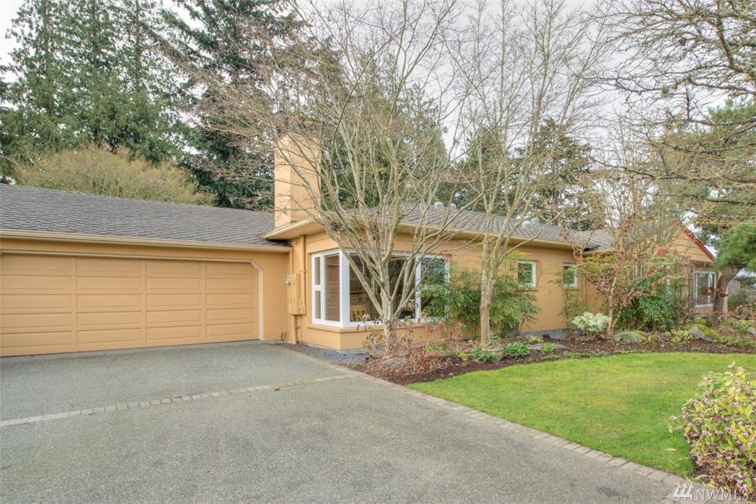 3919 W Barrett St, Seattle, WA 98199