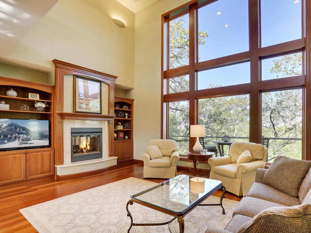 8830 Deer Ridge Lane, Bloomington, MN 55438