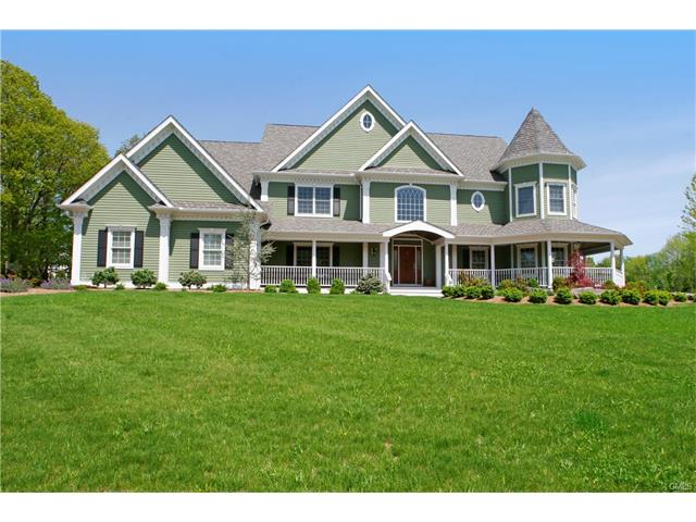 39 Oak Ridge Drive, Newtown, CT 06470