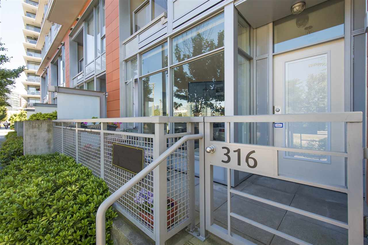 316 W 1ST AVENUE, Vancouver, BC V5Y 3T7