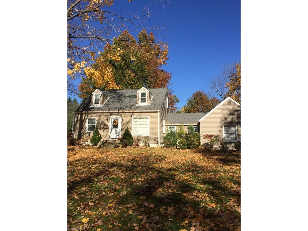 6743 Seneca Rd, Mayfield Village, OH 44143