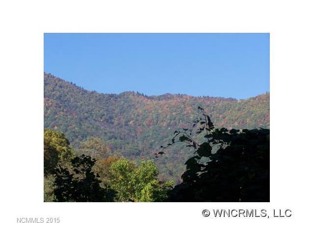 000 Running Deer Trail, Waynesville, NC 28786